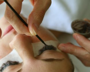 Eyelash & Eyebrow Tinting and Eyebrow Shaping